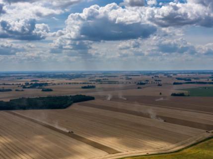 """Atsigavusi žemės ūkio technikos rinka """"Dotnuva Baltic"""" pelną augino 11%"""