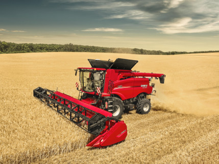 """""""Dotnuva Baltic"""" kartu su """"CNH Capital"""" ir """"Luminor"""" gerina sąlygas savaeigei žemės ūkio technikai finansuoti"""