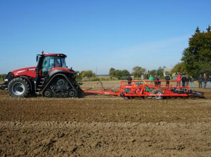 Šiuolaikiniai žemės dirbimo ir sėjos sprendimai pristatyti lauko dienoje