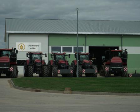 Užregistruoti septyni nauji galingi vikšriniai traktoriai Case IH Quadtrac