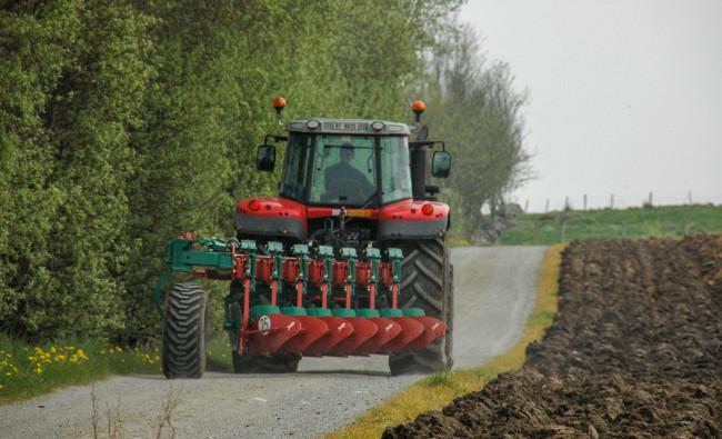 Tradiciniai pakabinami plūgai Kverneland BE