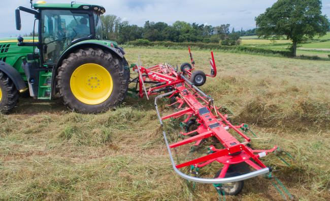 Žolės vartytuvai Kverneland 8555-8568-8576-8590-85112